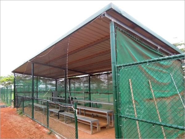 镀锌方格网,镀锌原色围篱,镀锌绿色围篱,棒球场铁网围篱,高尔夫球场铁